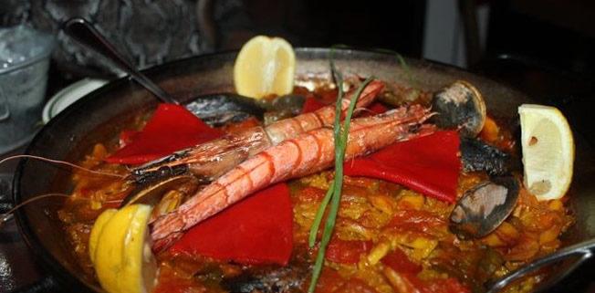 Tapas y Tintos Spanish Cuisine and Flamenco Show